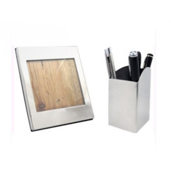 2 piece silver finish photo frame and pen stand