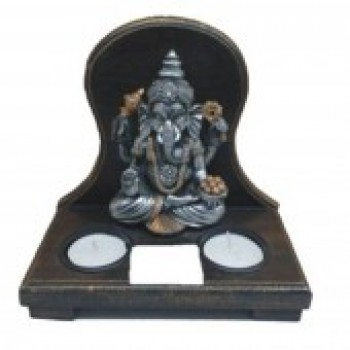 Ganesha with 2 tea lights on a wooden base