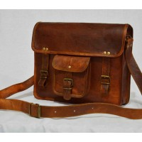 Vintage leather  medium sized messenger bag